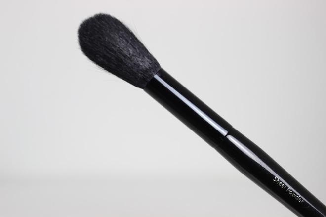 Bobbi-Brown-Old-Hollywood-Brush-Collection-Sheer-Powder